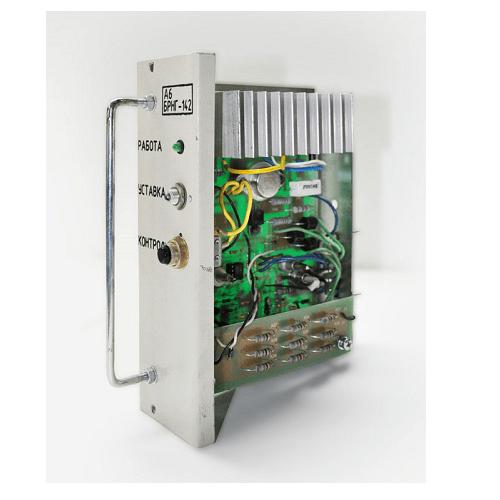Блок регулирования напряжения генератора БРНГ 142 Э-10.04.07.770